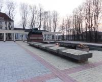 Мемориальный комплекс на братской могиле советских воинов. Советск, март 2013