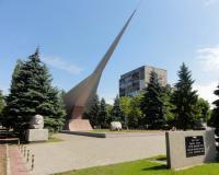 Памятник летчикам Балтики в Калининграде. Июнь 2012