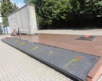 Мемориальный комплекс на братской могиле советских воинов. Август 2012