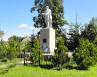 Братская могила советских воинов в Совхозном. Август 2013