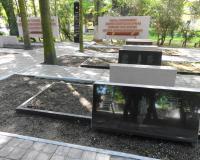 Братская могила советских воинов на территории воинской части на Аллее Смелых. Май 2014