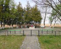 Братская могила советских воинов. Добрино, апрель 2015
