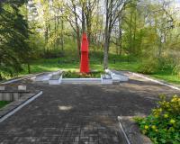 Мемориальный комплекс на братской могиле советских воинов. Бережковское, май 2015
