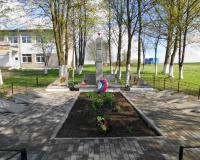 Братская могила советских воинов. Доваторовка, май 2015