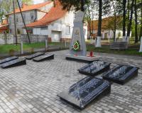 Братская могила советских воинов. Краснополянское, май 2015