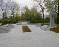 Братская могила советских воинов. Приозерное, май 2015