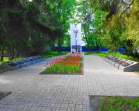 Братская могила советских воинов. Калининград, пр. Победы, май 2015