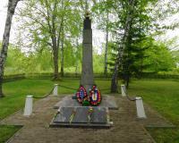 Братская могила советских воинов на территории в/ч 36893. Долгоруково, май 2015