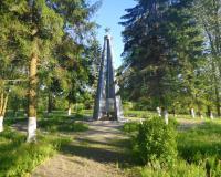 Братская могила советских воинов. Люблино, июнь 2015