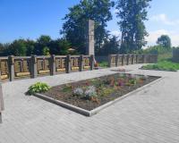 Братская могила советских воинов. Некрасово, август 2015