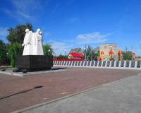 Братская могила советских воинов. Нивенское, август 2015