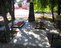 Братская могила советских воинов. Калининград, улица Ялтинская, август 2015