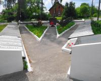 Братская могила советских воинов. Чистые пруды, май 2016