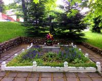 Братская могила советских воинов. Калининград, Тенистая аллея, май 2017