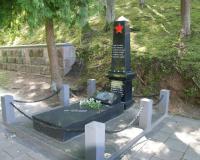 Братская могила советских летчиков на Антакальнисском кладбище г. Вильнюса, Литва. Июль 2017