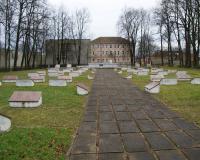 Кладбище советских воинов в городе Кибартай, Литва. Январь 2018