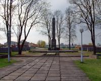 Кладбище советских воинов в городе Таураге, ул. Даряус ир Гирено. Литва. Апрель 2018