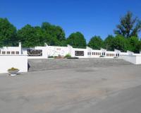 Мемориальный комплекс на братской могиле советских воинов. Ладушкин, май 2018