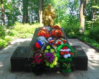 Братская могила советских воинов. Неман, июнь 2018