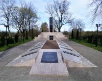 Братская могила советских воинов. Балтийск, п. Севастопольский, апрель 2019