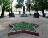 Братская могила советских воинов. Калининград, п. Прегольский, апрель 2019
