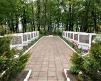 Братская могила советских воинов, Владимирово, май 2019