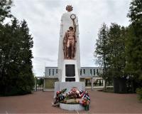 Братская могила советских воинов. Багратионовск, май 2019