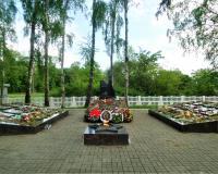 Братская могила советских воинов. Луговое, май 2019