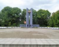 Мемориальный комплекс на братской могиле советских воинов. Муромское, август 2019